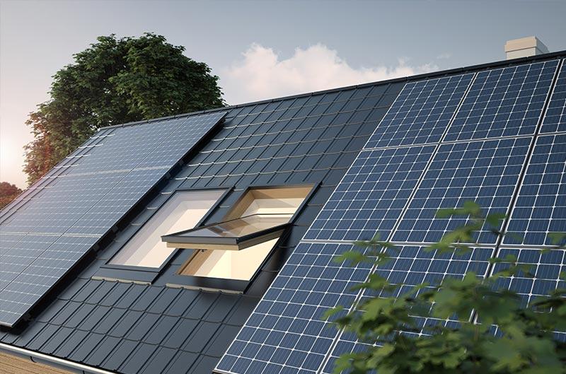 Photovoltaik Panele auf einem Hausdach